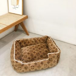 Chewy V Print Dog Bed